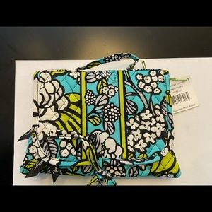 NWT island blooms essential cosmetic makeup case